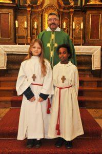 Hr. Pfarrer mit Nigest und Julia
